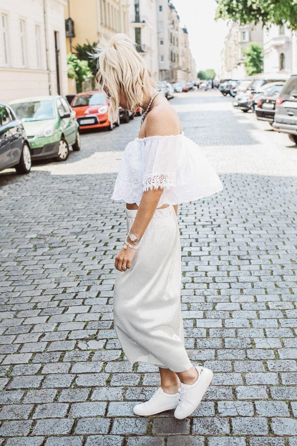 CK160511_Constantly-K-Karin-Kaswurm-Model-Spring-Street-Style-Fashion-Summer-Culotter-Silver-6984