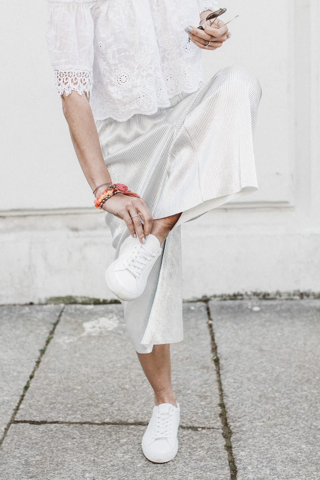 CK160511_Constantly-K-Karin-Kaswurm-Model-Spring-Street-Style-Fashion-Summer-Culotter-Silver-7008