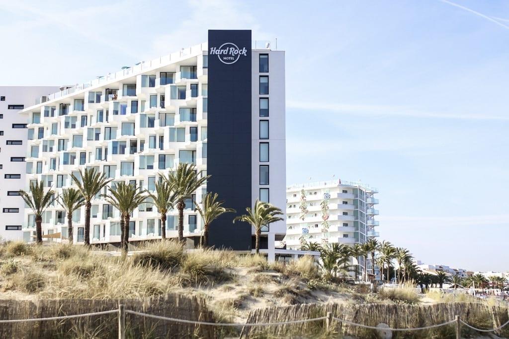 CK-1606_Ibiza-Hotel-Hard-Rock-Beach-Outside-9176