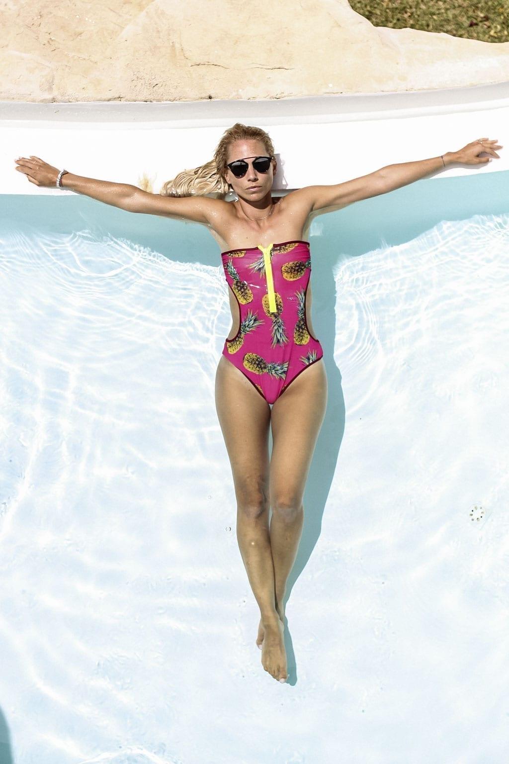 CK-1606_Sardinien-Sardegna-Sardinia-Italy-Italia-Fashion-Blog-Beach-Caribbean-Dress-Blonde-Karin-Kaswurm-Bikini-Kiini-0887