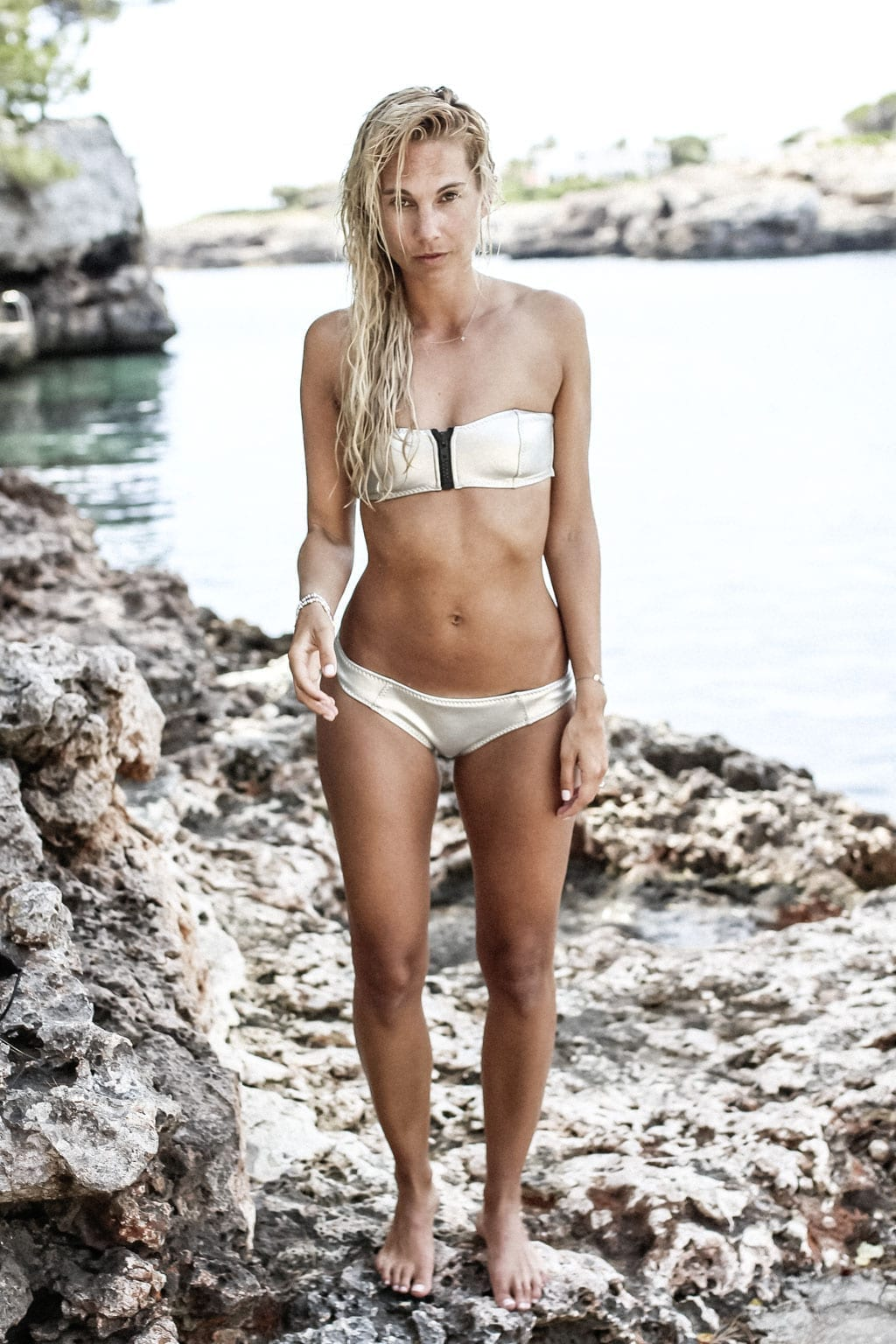 CK-1606_Sardinien-Sardegna-Sardinia-Italy-Italia-Fashion-Blog-Beach-Caribbean-Dress-Blonde-Karin-Kaswurm-Bikini-Kiini-0943
