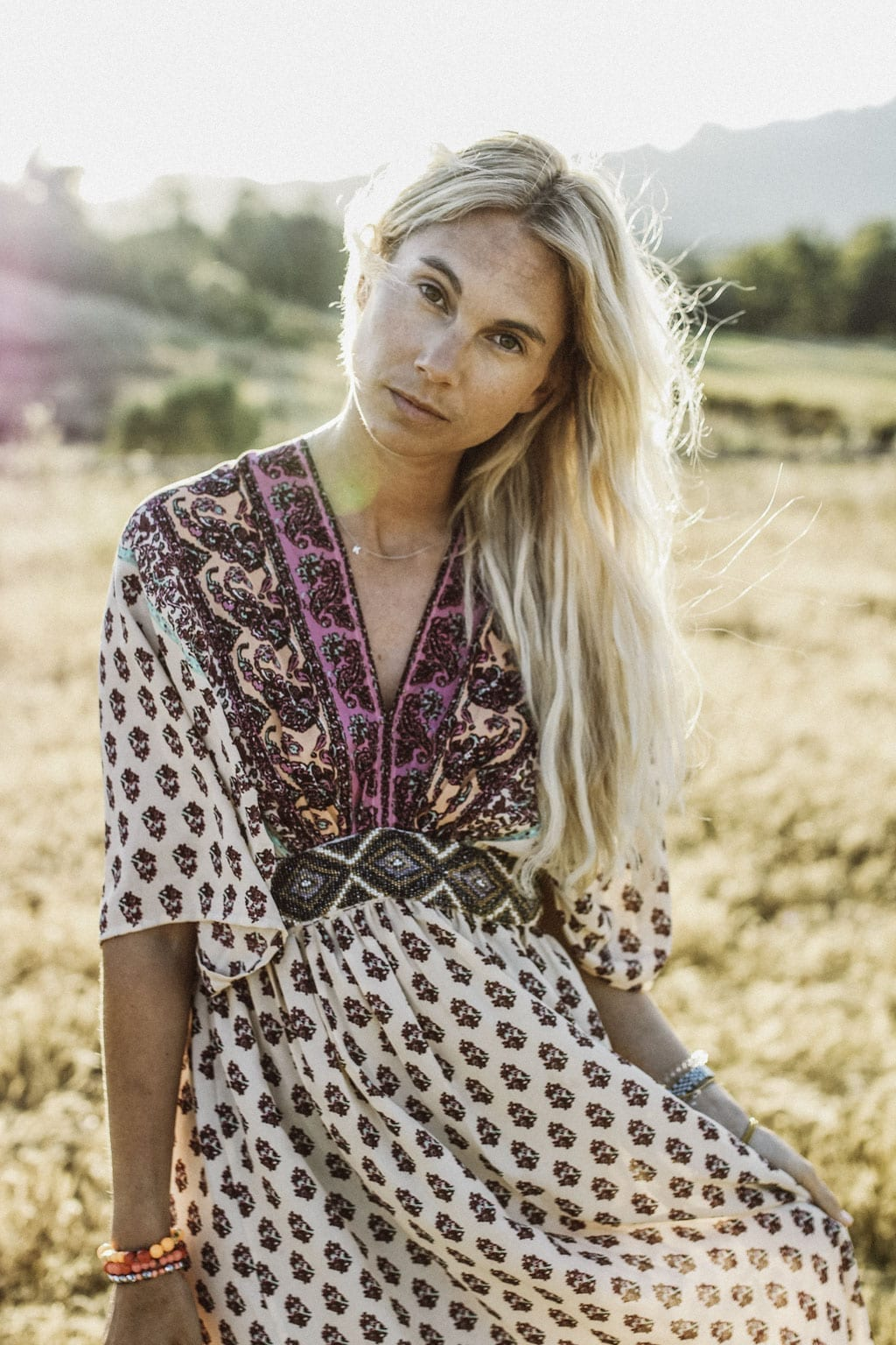 CK-1606_Sardinien-Sardegna-Sardinia-Italy-Italia-Fashion-Blog-Sun-Down-Dress-Blonde-Karin-Kaswurm-9822