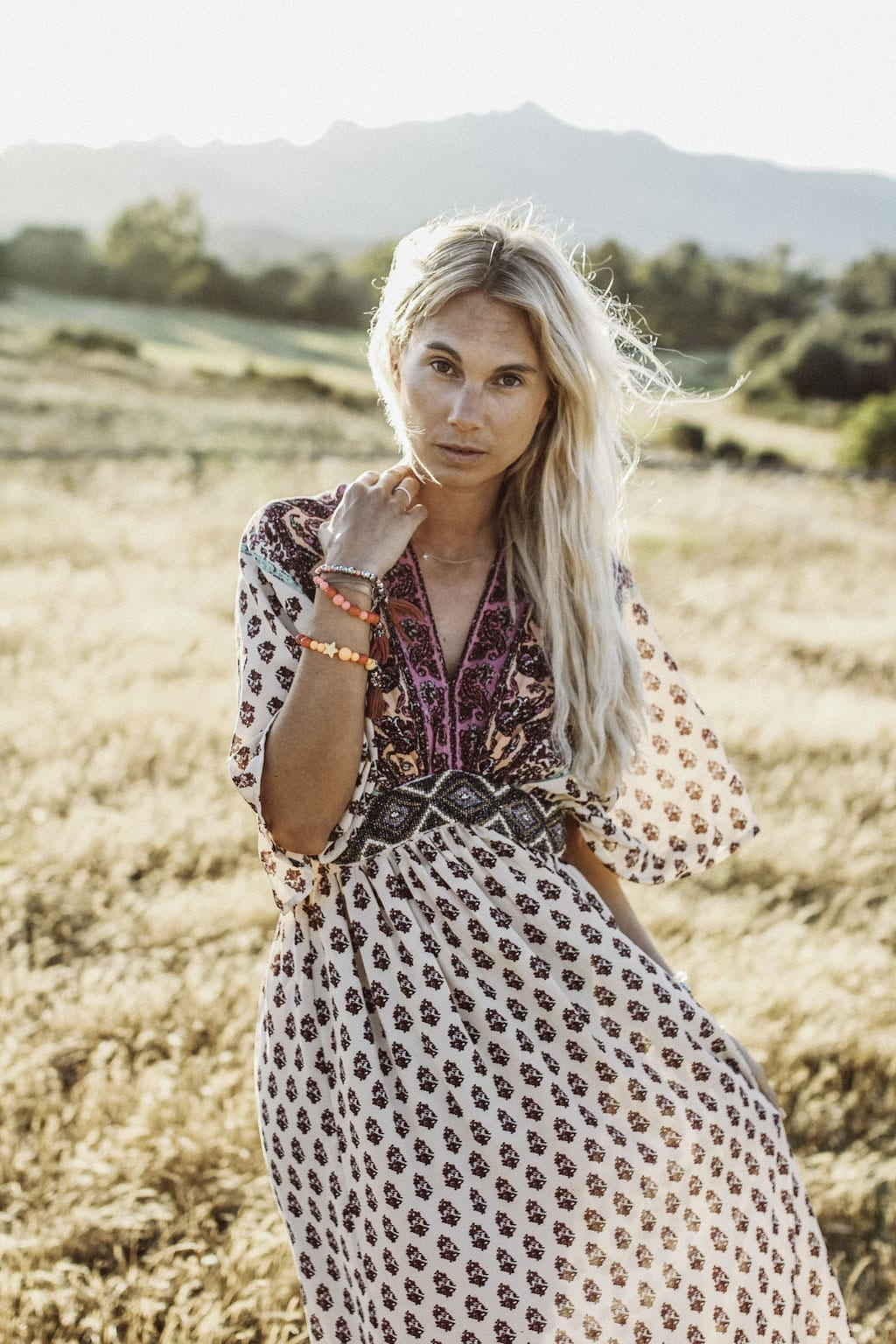 CK-1606_Sardinien-Sardegna-Sardinia-Italy-Italia-Fashion-Blog-Sun-Down-Dress-Blonde-Karin-Kaswurm-9824