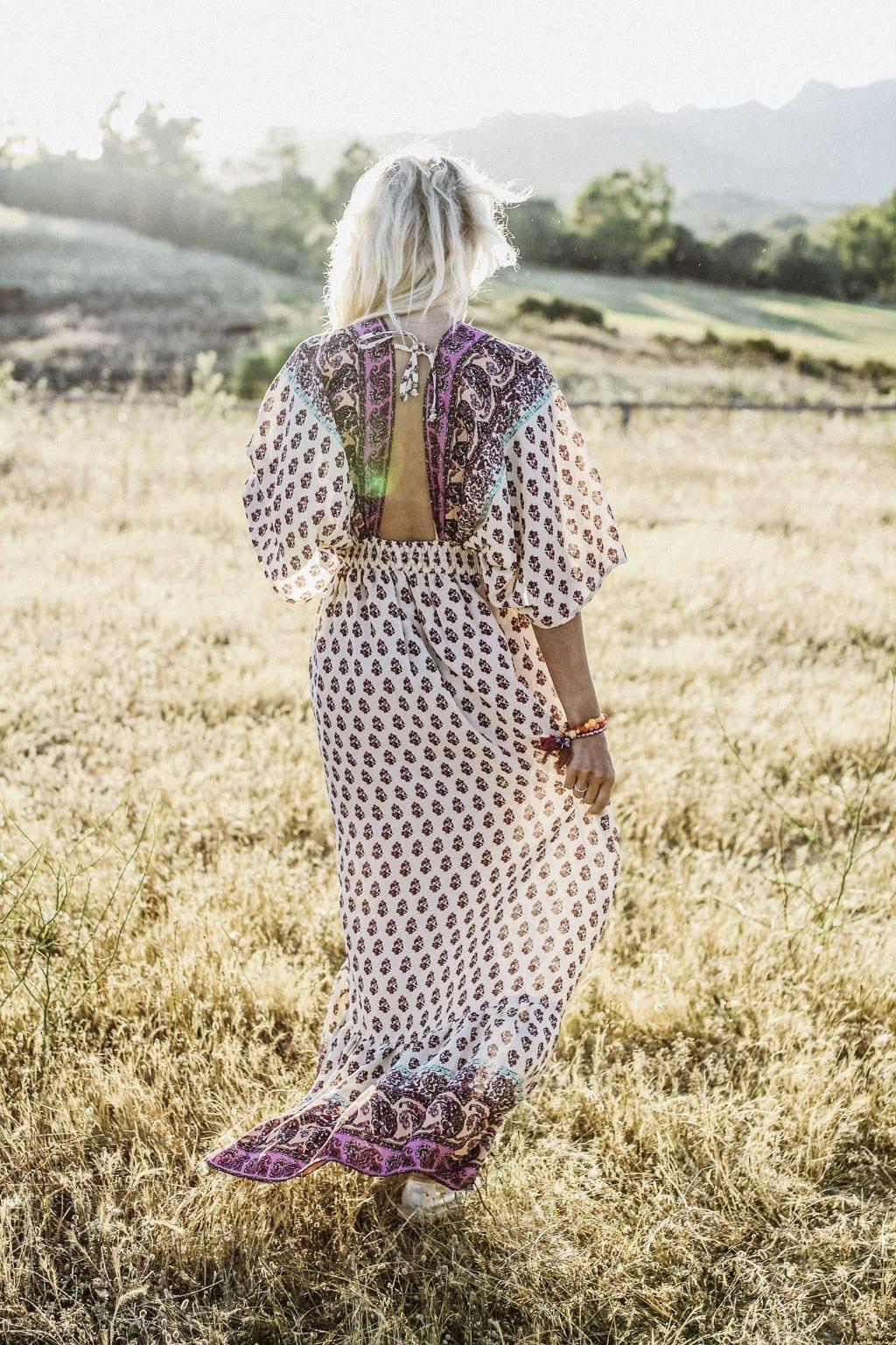 CK-1606_Sardinien-Sardegna-Sardinia-Italy-Italia-Fashion-Blog-Sun-Down-Dress-Blonde-Karin-Kaswurm-9844