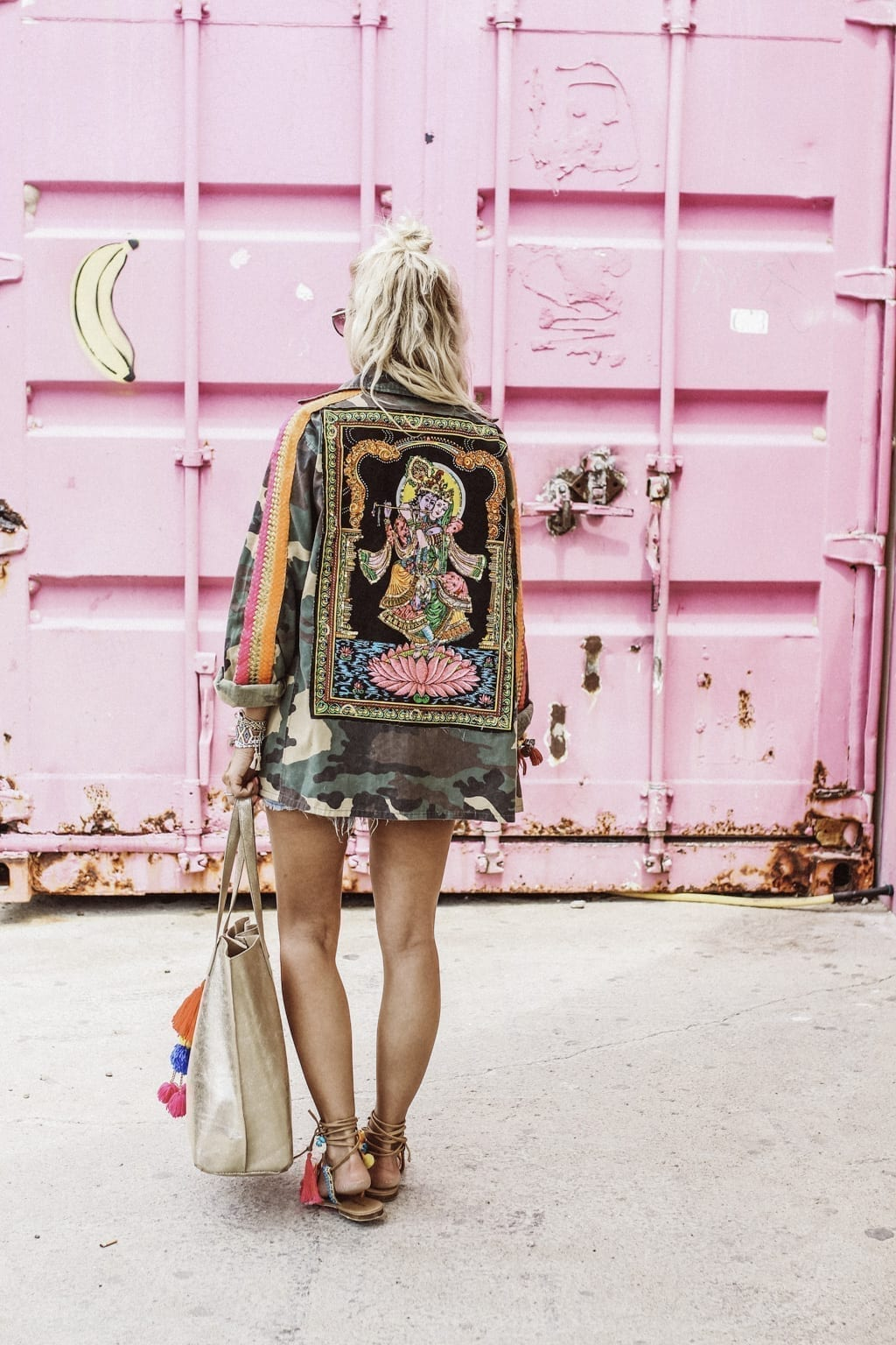 CK1605_Constantly-K-Karin-Kaswurm-Ibiza-Fashion-Beach-Style-At-The-Sea-Boho-Chic-Ethno-Military-Jacket-Ibiza-Style-9042