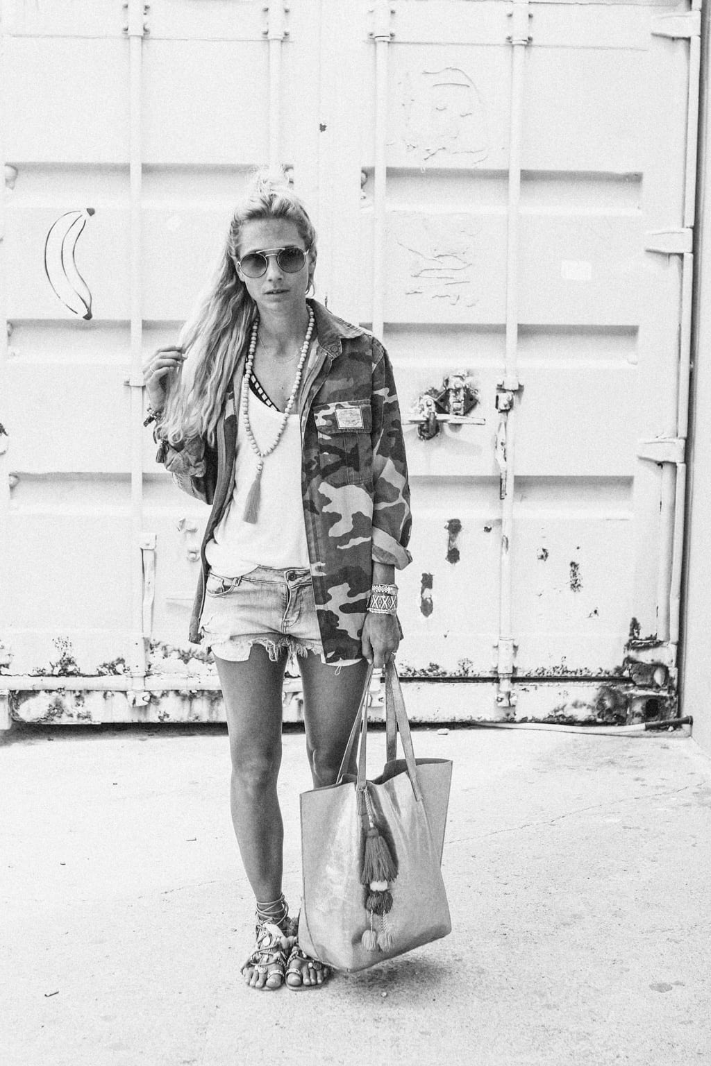 CK1605_Constantly-K-Karin-Kaswurm-Ibiza-Fashion-Beach-Style-At-The-Sea-Boho-Chic-Ethno-Military-Jacket-Ibiza-Style-9045