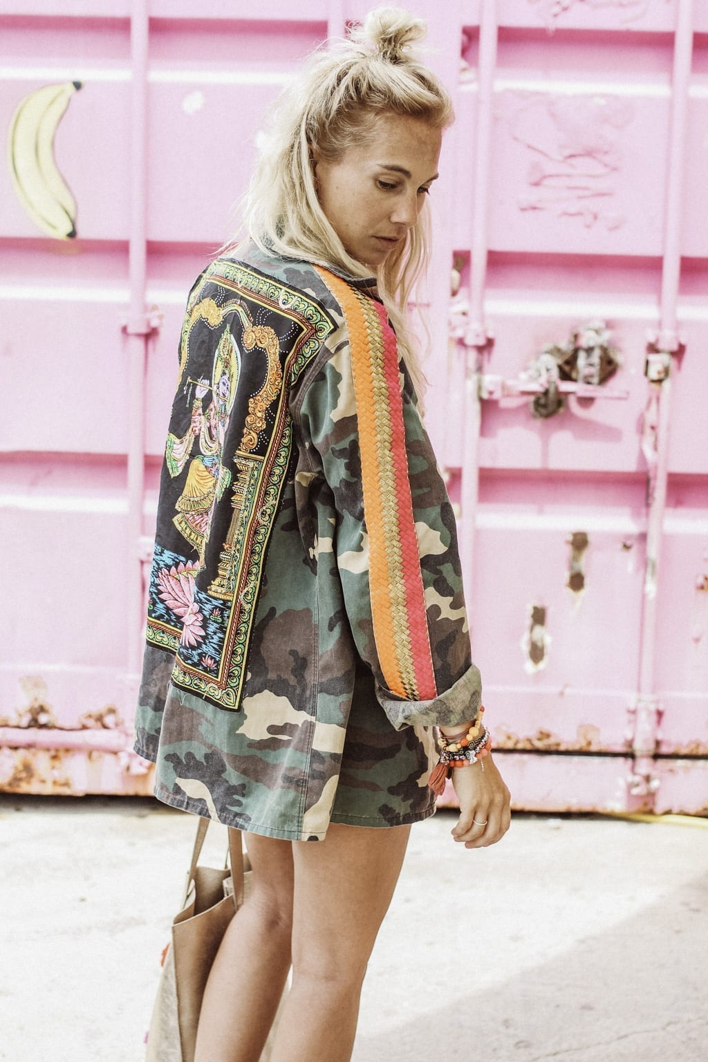 CK1605_Constantly-K-Karin-Kaswurm-Ibiza-Fashion-Beach-Style-At-The-Sea-Boho-Chic-Ethno-Military-Jacket-Ibiza-Style-9064