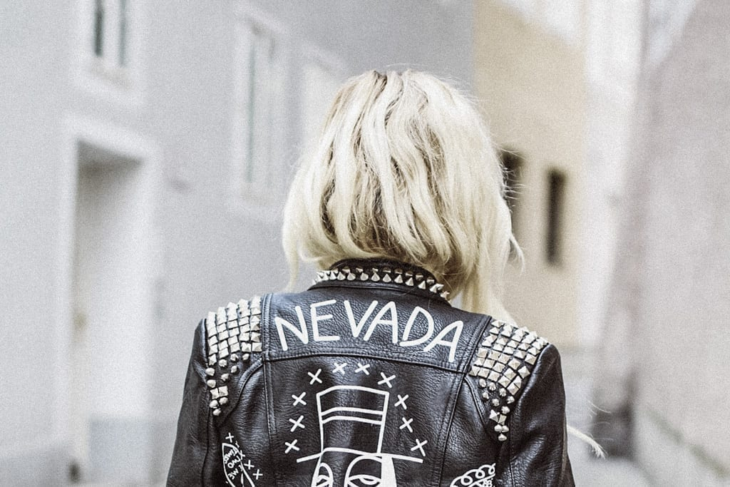 CK-1606_salzburg-fashion-street-style-look-magazine-karin-kaswurm-electric-love-2016-festival-leather-jacket-8833-2