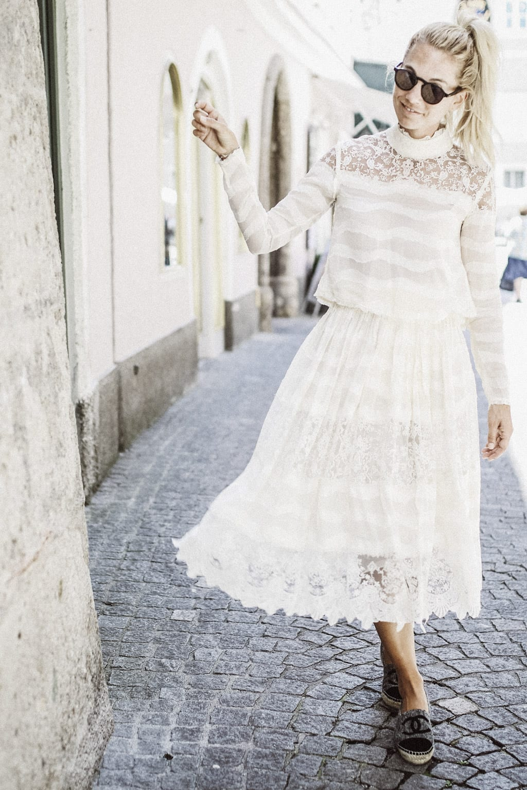 CK-1606-salzburg-austria-fashion-street-style-summer-spring-blog-karin-kaswurm-hm-kleid-2883