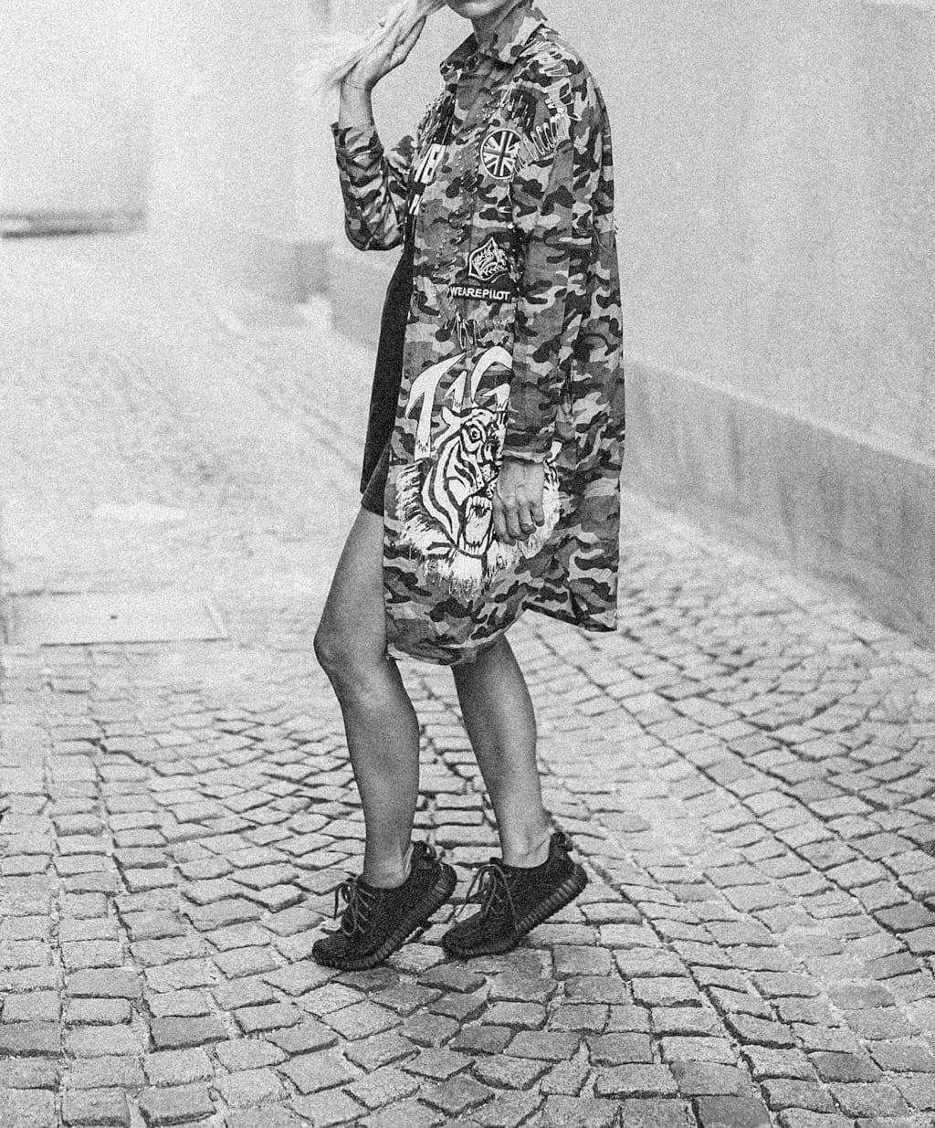 CK-1606_salzburg-fashion-street-style-look-magazine-karin-kaswurm-electric-love-2016-festival-camouflage-military-jacket-8952