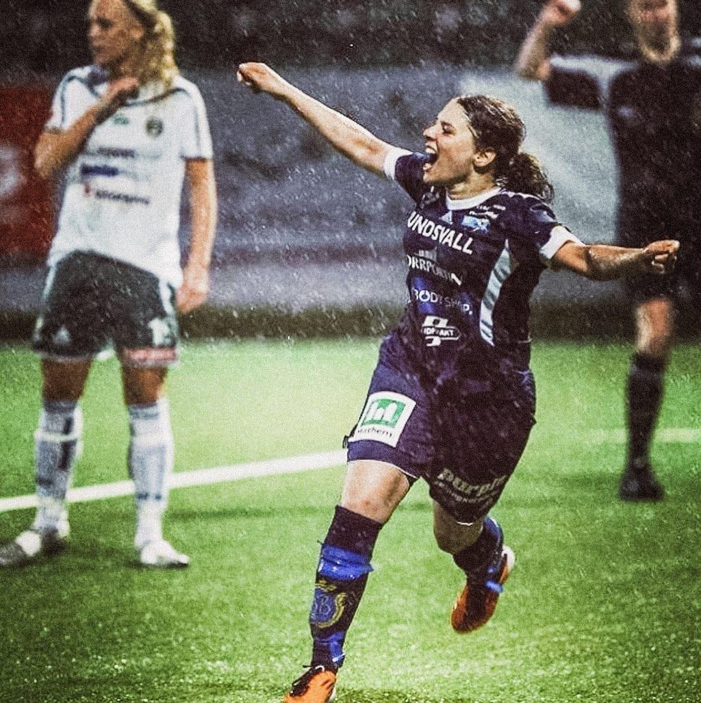 ck-constantlyk-com-shanga-forsberg-swedish-football-soccer-39