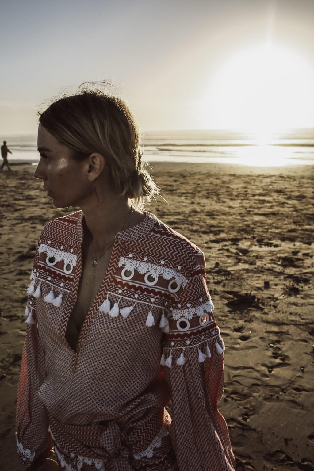 Karin Kaswurm am Strand von Agadir, Marokko
