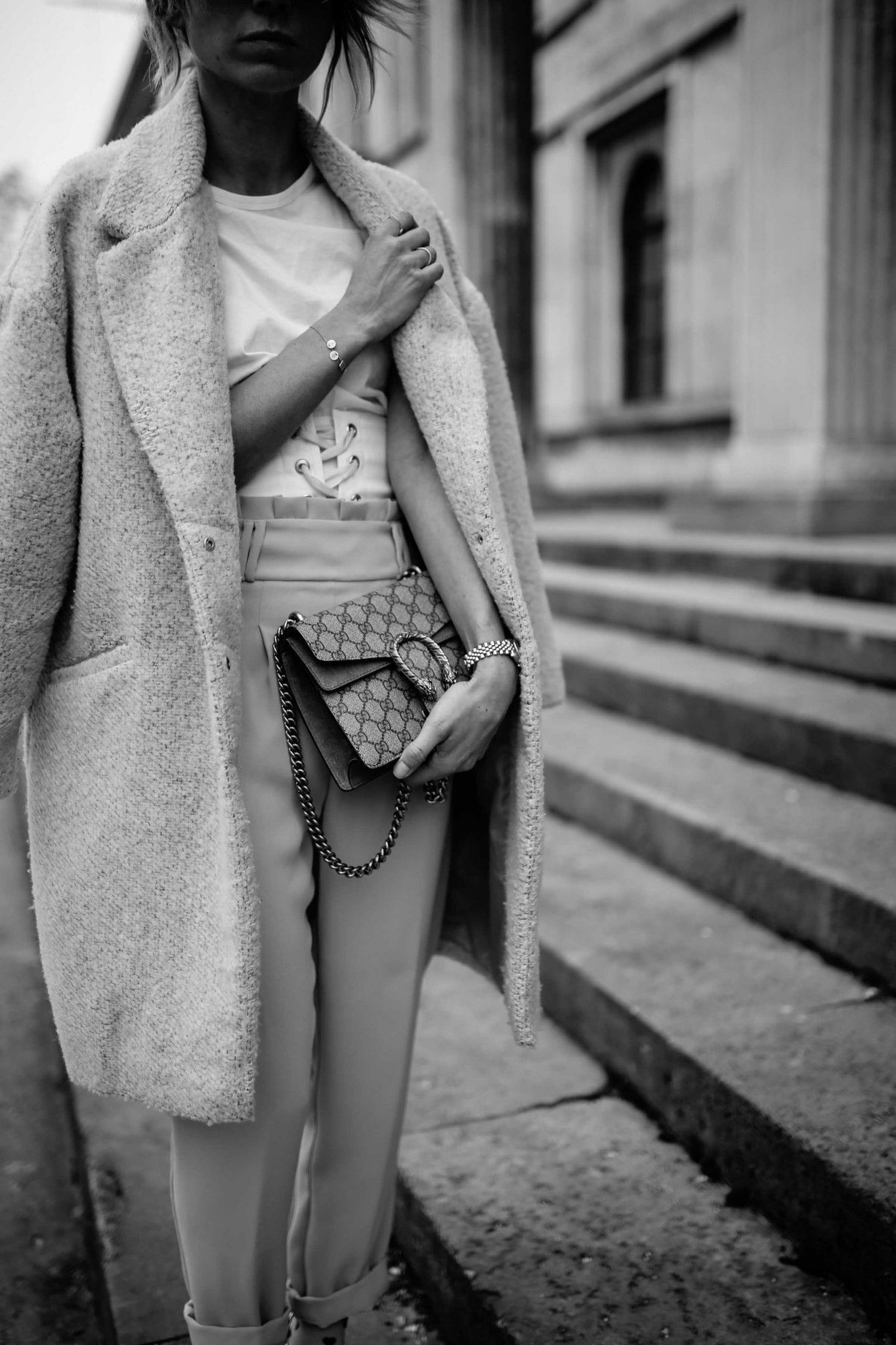 Karin Kaswurm in einem top Street Style Look